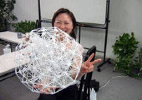 『バッキーボールを創ろう』 トレジャーカフェ内で開催